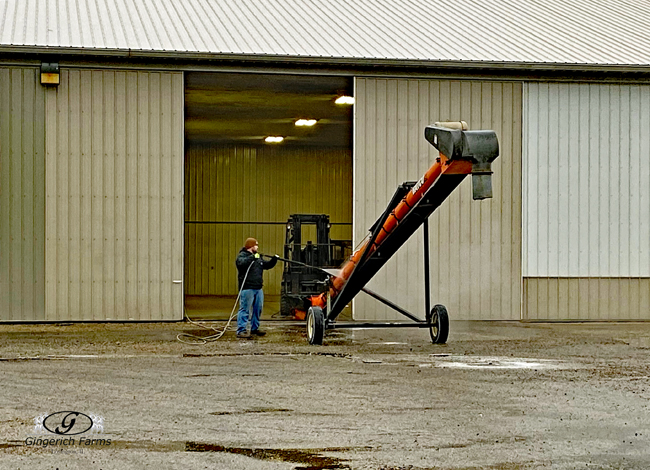 Cleaning auger - Gingerich Farms