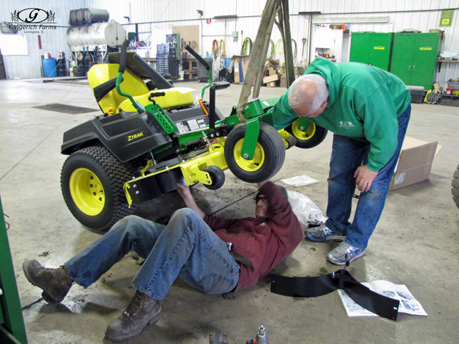 Mower work at Gingerich Farms