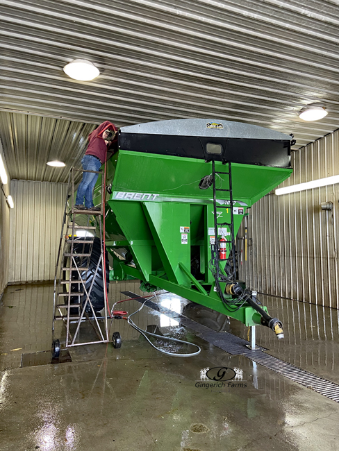 Cleaning auger cart - Gingerich Farms