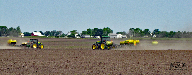 Striptill bar & planter at Gingerich Farms