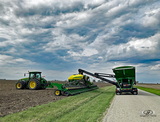 Loading planter - Gingerich Farms