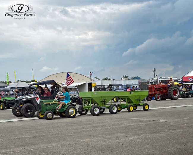 Pulling wagons - Gingerich Farms